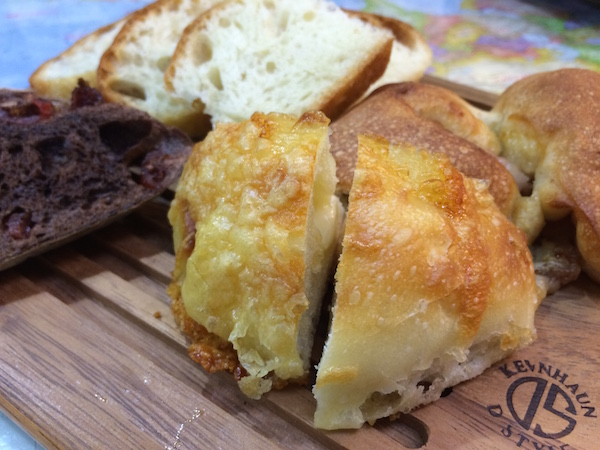 Boulangerie JINとグズグズのパンたち