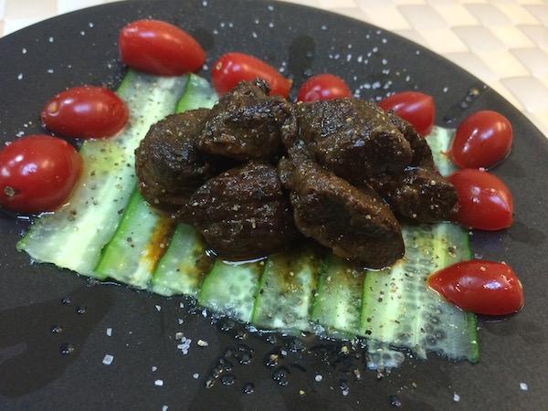 胡瓜+トマト+オリーブオイル+塩