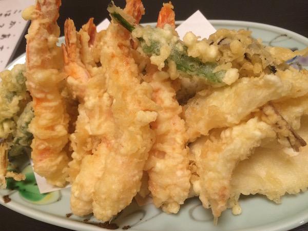 天ぷらも盛り合わせで