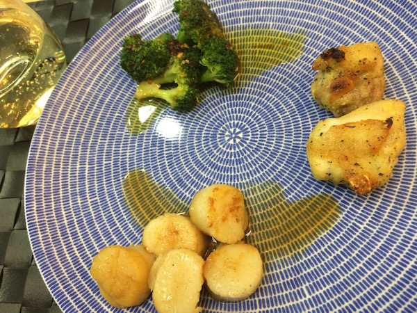 鶏肉、ホタテ、ブロッコリーをバランスよく食べました