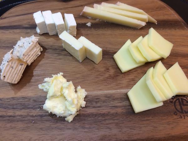 常時このぐらいのチーズをキープしてます