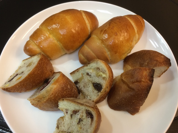 シンプルなパンが旨かった