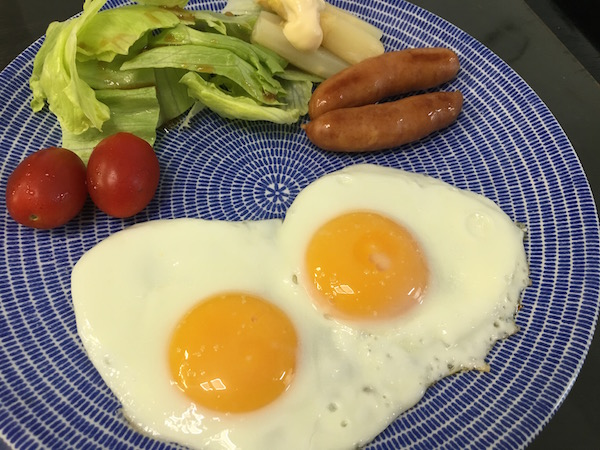 朝食は例によって、、、もう何日の写真だか分かりませんw