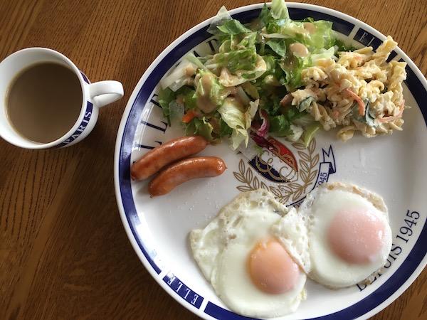 朝食のスタイルは変えずに