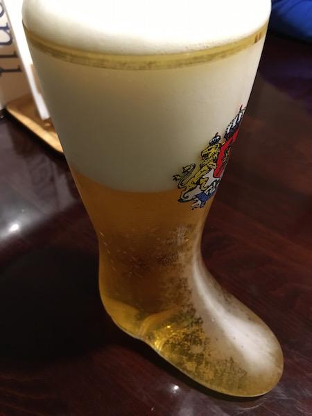 夕食はブーツビール大をお供に