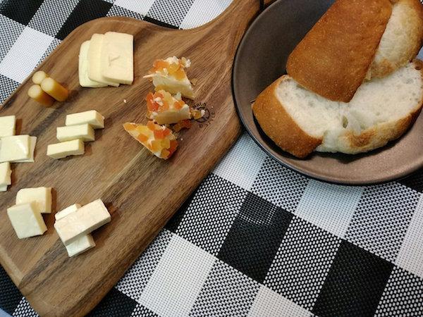 チーズとパンが美味い
