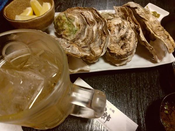 牡蠣はかなり大ぶり