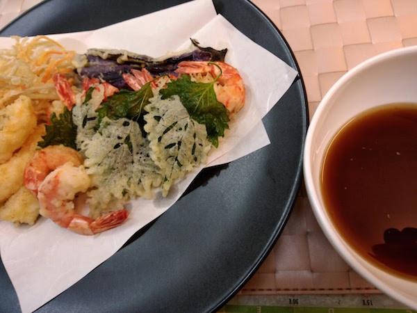 夕食は天ぷらです