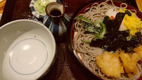 〆は海老おろし蕎麦です