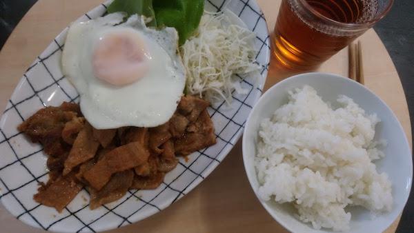 朝から生姜焼き定食