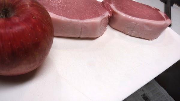 分厚い豚ロース肉